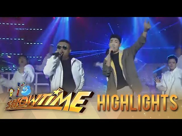 It's Showtime: Andrew E. performs with Darren E. on Showtime Stage!