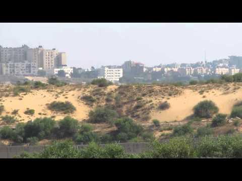 The wall between Netiv Ha'asara (Israel) and Beit Hanoun and Beit Lahia (Gaza Strip)