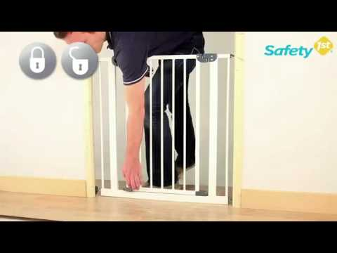 safety 1st easy close metal t rschutzgitter zum klemmen youtube. Black Bedroom Furniture Sets. Home Design Ideas