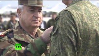 Российские военные получили сирийские награды на авиабазе Хмеймим