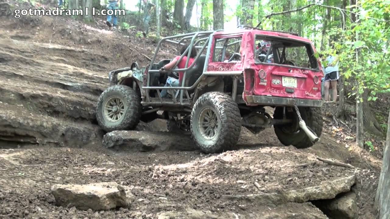 Jeep Cherokee Climbs Axle Hill At Trucks Gone Wild Youtube
