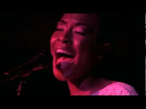 """Carolyn Malachi Performing """"Dumela"""" Live"""