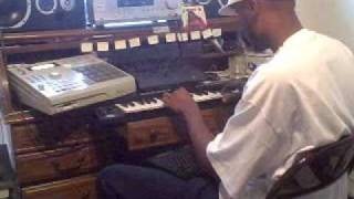 Repeat youtube video 2/17/08 DJ Ave Mcree making Dead Presidents pt.3 beat