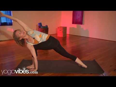 Revolved Side Angle Pose (Parivrtta Parsvakonasana) | Sarah Faircloth