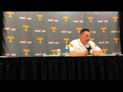 Butch Jones names Justin Worley UT