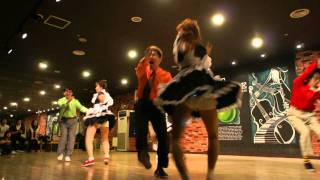 Jam-style Team Performance by
