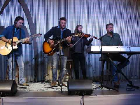 The Frontmen of Country: If It Wasn't For The Radio (Acoustic Performance)