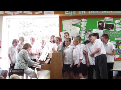 Hampstead Norreys School and Fiona Bennett - Thank You for the Music