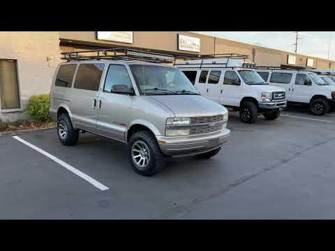 AWD Chevrolet Astro - CUSTOM LIFTED VAN!