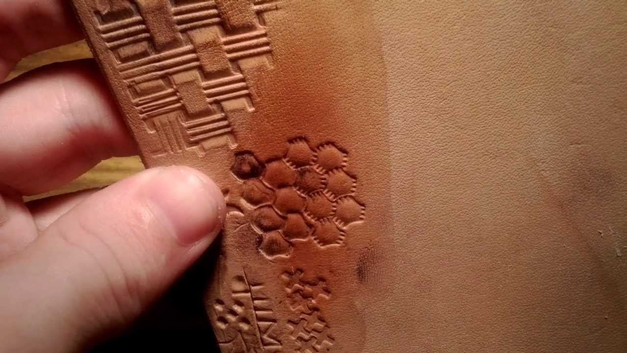 Ищите идеи на тему «работа по коже» и сохраняйте их в pinterest. | посмотрите больше идей на темы кожаные инструменты, кожа мастерство и кожа.