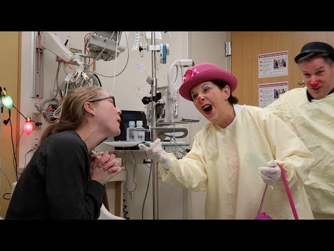 🏥 SINGING WITH CLOWNS | HOSPITAL DAY 9 🏥 (11.21.17)