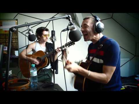 The Last Shadow Puppets - Dracula Teeth (Acoustic FluxFM)