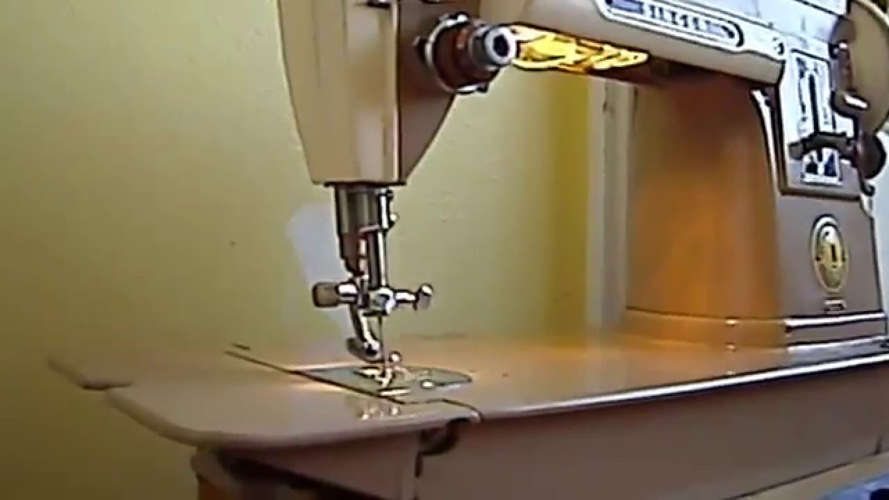The Singer Manufacturing Co 301a