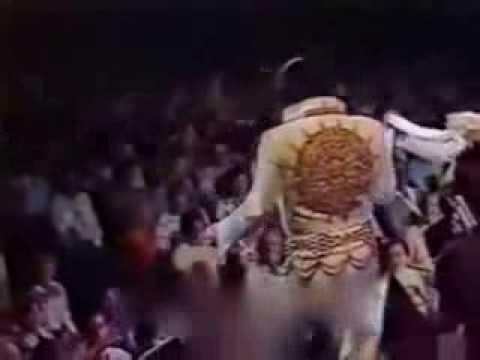 Elvis Presley-Love me [1977]