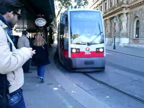 Straßenbahn Linie 49 Volkstheater In Wien4 Youtube