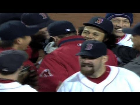 2007 ALCS Game 7: Crisp's grab sends Sox to World Series