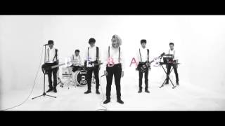VELHINHA - BEBAS (Official Video)