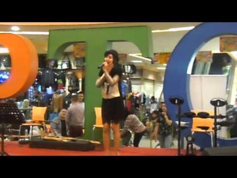 Anisa Rahma - Menari Bersama Bintang Live PTC (Pulogadung Trade Center)