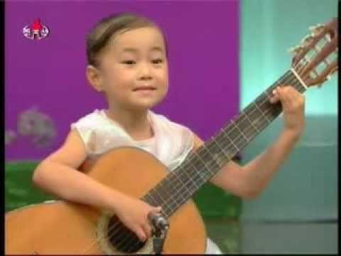 [Guitar] Cha Sun Chong - 《우리 모두 친한동무》 {DPRK Music}
