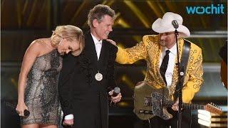 Randy Travis Gives Tear-Jerking Performance At CMA Awards
