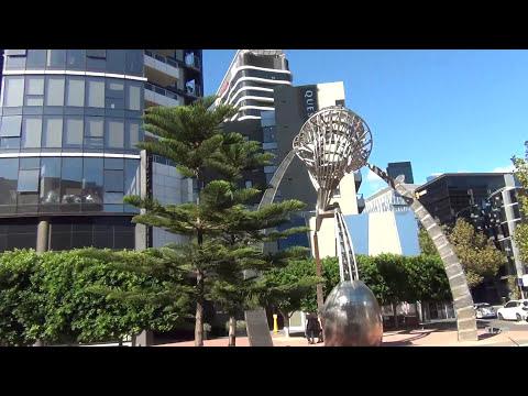 Melbourne (Australia)  return TRAM trip from Federation Square to Docklands