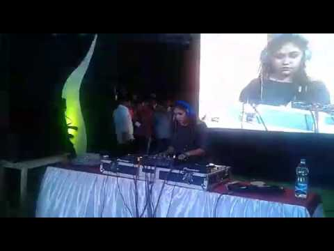 DJ Emily Wilson Live From PDA Collage Gulbarga ll Nirman Fest 2k17 ll Trap Party
