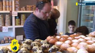 Hanukkah snacks in Jewish tradition: Making Latkes and Sufganiyot in Jerusalem with Jordana Miller