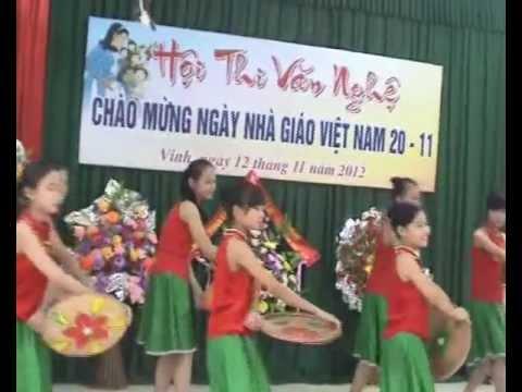 """Múa """"Lên chùa"""" chào mừng 20/11 của lớp 7I trường THCS Lê Lợi"""