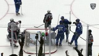 Первый гол Волка в КХЛ