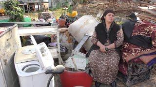 Дар сармои Душанбе зани серфарзанд аз хонааш маҳрум шуд