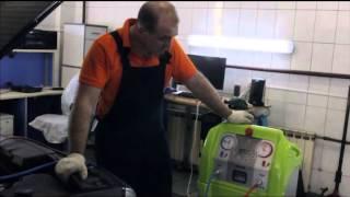 Заправка автокондиционера на автомобиле BMW(АвтоТехЦентр AMB-Motors: заправка автокондиционера на BMW. Подробнее на www.amb-motors.ru., 2014-07-19T14:10:46.000Z)