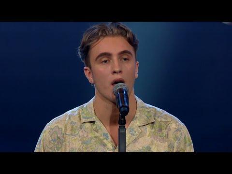 Kishti i tårar under Kevin Olssons solosång - Idol 2017 - Idol Sverige (TV4)