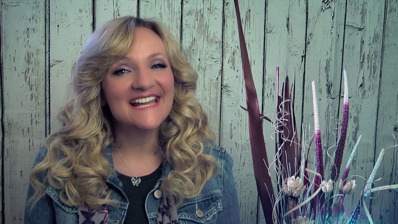 Debbie Nunn - UK Country Music - Chasing Rainbows Listening Party (Short Version)