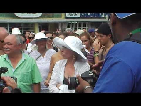 Entrada de Rita Moreno a la actividad .