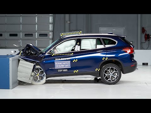 2016 BMW X1 moderate overlap test