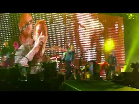 Coldplay Live @ Abu Dhabi: Yellow