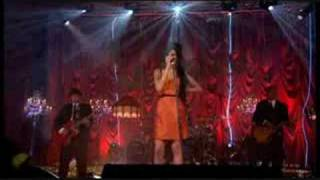 Amy Winehouse - Rehab [Live in London]
