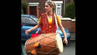 Girl Playing Dhol Rihanna Music.....mp4