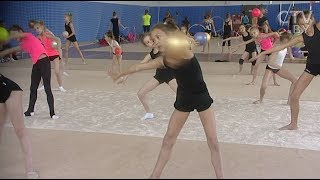 Кэмп по художественной гимнастике: в Минск приехали грации из США и Египта