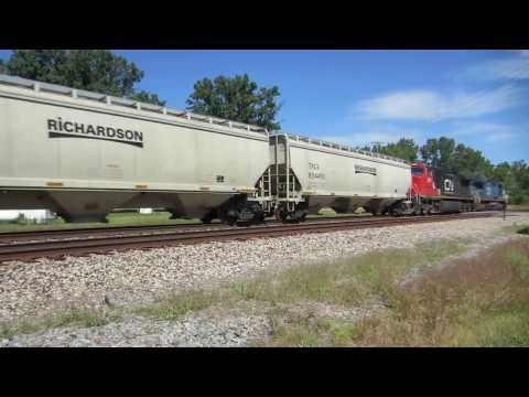 Ditch-lights on I.C. 2462 and Kasgro Rail depressed-center flat car