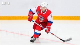 Владимир Путин играет в хоккей в Сочи