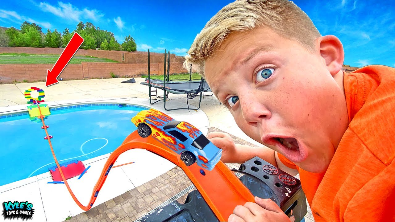 Hot Wheels Real Life Trick Shots Challenge!