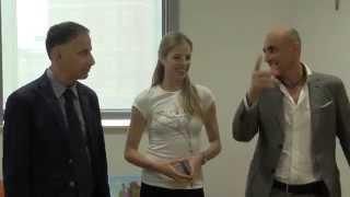 Carolina Kostner incontra i bambini del Gaslini di Genova
