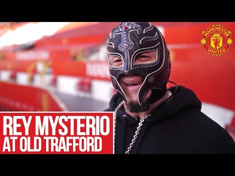 Rey Mysterio Visits Manchester United! thumbnail
