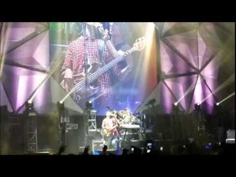CN BLUE Can't Stop Manila-full video. ..