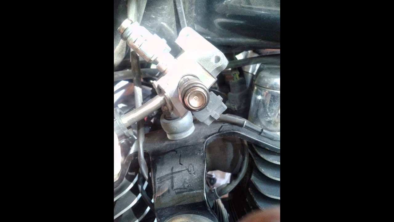 2003 Harley Road King Fuel Injection Inspection - YouTube on