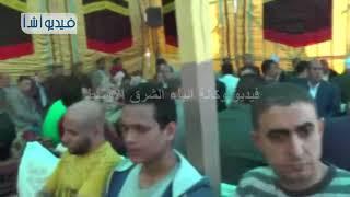 بالفيديو : محافظ سوهاج ومدير الأمن يعزيان عائلة شهيد عمليات سيناء