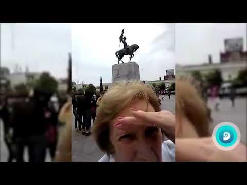 O intento fallido dunhas señoras de facerse un selfie faise viral
