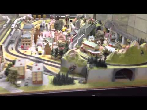 Германия: Железная дорога в подземном переходе Берлина :)