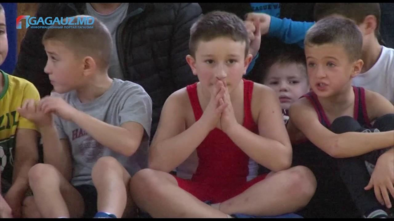 В Чадыр-Лунге провели турнир по борьбе на поясах «трынта»